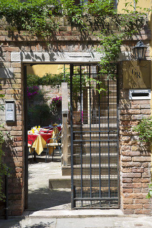 Hotel Locanda Gaffaro: Entrance of the Guesthouse