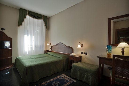 Hotel Locanda Gaffaro: Twin bedroom