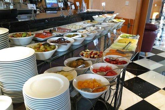 J5 Hotels - Port Saeed: Breakfast selection