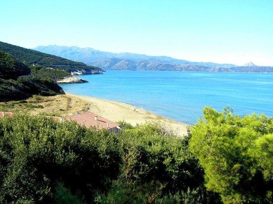 Residence Arinella : La spiaggia di Marina di Farinole vista dal terrazzo del residence