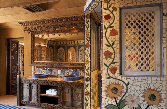 Inn of the Five Graces: Inlaid Tile Bathroom