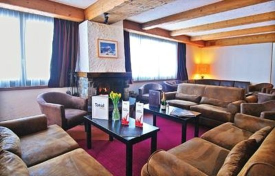 Chalet Hotel Ambassador: The comfy lounge in the Ambassador