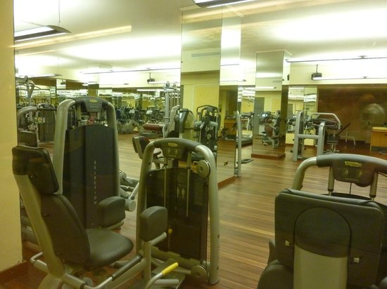 Hotel Simplon: Gym at Hotel Dino (shared with Simplon clients)