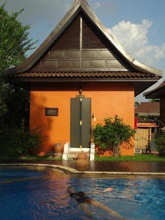Pludhaya Resort and Spa:                   heerlijke verkoeling in het zwembad na aankomst