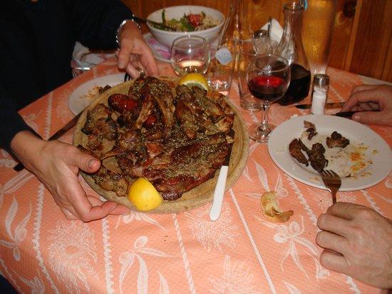 O Santorinios: Mix de viandes grillées