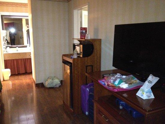 Best Western Plus Raffles Inn & Suites:                   Fridge and microwave were nice to have