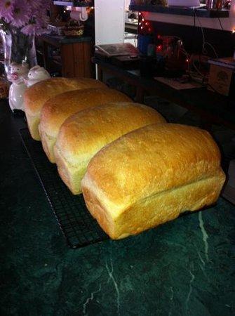The Wild Fern: Heather's amazing bread!