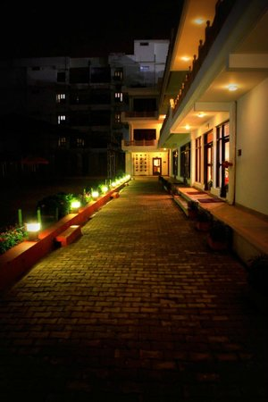 Hotel Harsh Ananda: Exterior