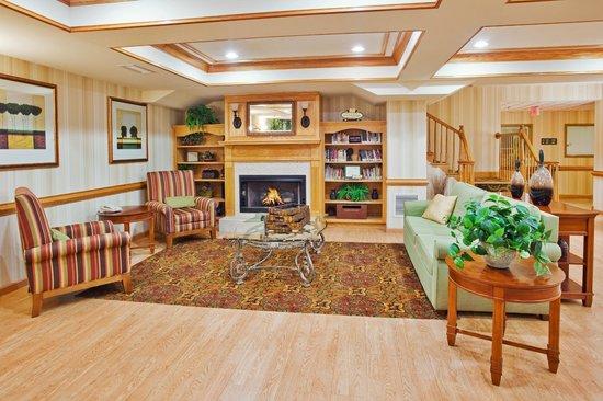 Country Inn & Suites by Radisson, McDonough, GA: Lobby