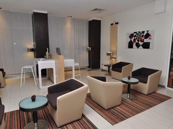 Novotel Athenes:                   Foyer