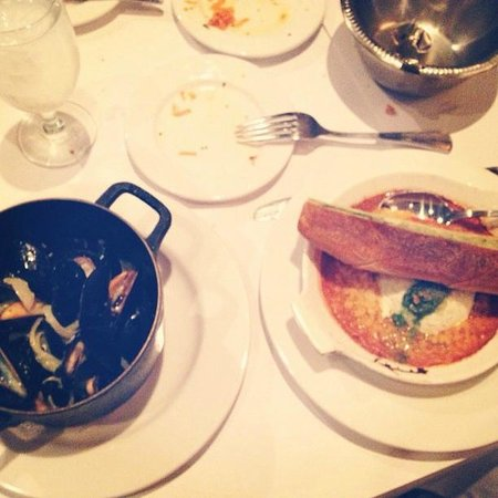Mon Ami Gabi: 1/2 order of mussels and baked goat cheese hors d'oeuvres