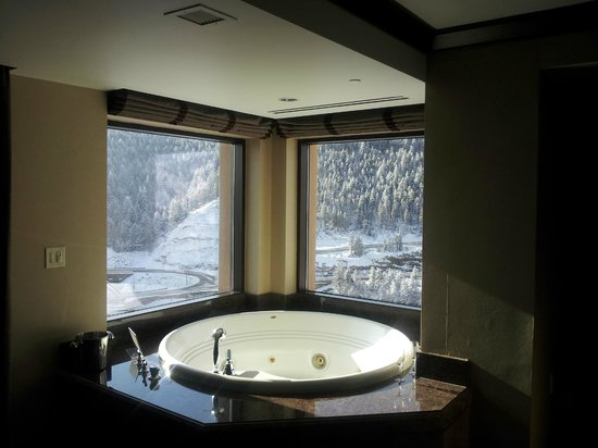 Ameristar Casino Resort Spa Black Hawk:                   tub in mountain pine suite