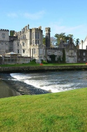 Adare Manor Hotel & Golf Resort: Side of the Manor