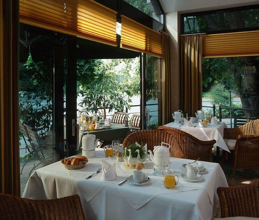 Ringhotel Mersch: Langschläferfrühstück im Wintergarten