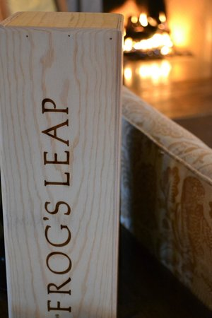 Frog's Leap Winery: Lovely Interior