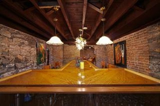 Historic Webster House: Bar Entertainment Area