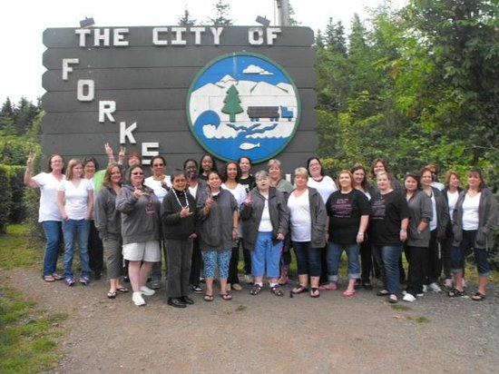 The Pacific Inn Motel:                   Our Group at The Forks Sign