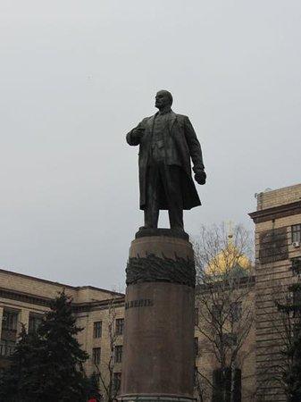 Nikopol, Ukraine: Lenin am Karl-Marx-Prospekt