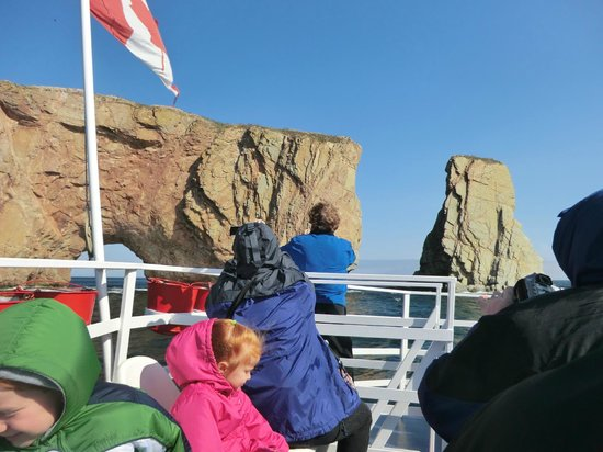 Whale Cruises on the Julien Cloutier Enr. : perce rock from the boat
