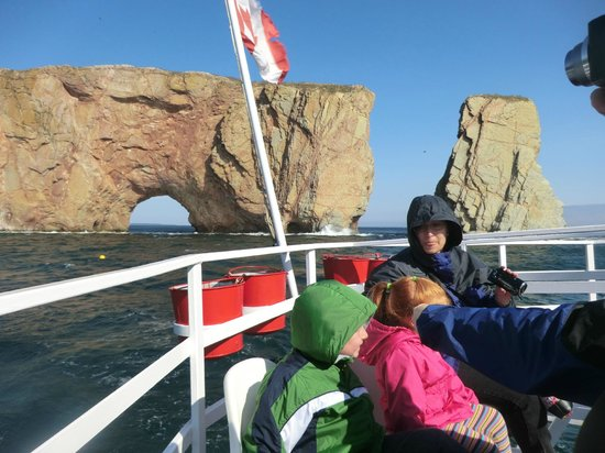 Whale Cruises on the Julien Cloutier Enr. : more of the boat