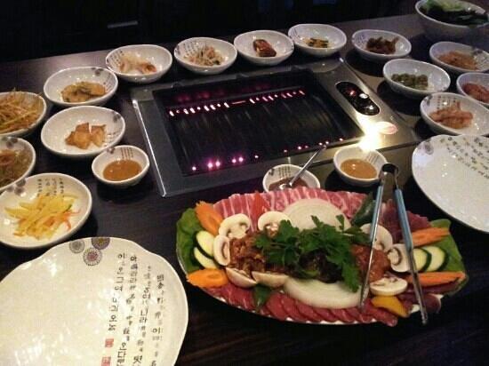 meat.ing Korean BBQ: Es ist angerichtet