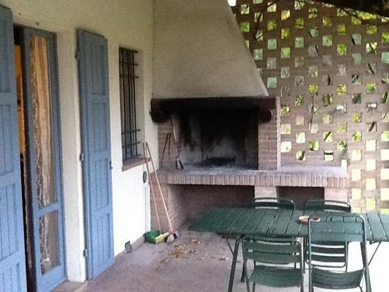 Podernovo: un petit coin barbecue sur votre terrasse