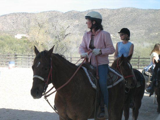 Tanque Verde Ranch:                   psyching up for team penning
