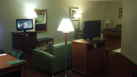 La Quinta Inn & Suites Florence : 2 TV's