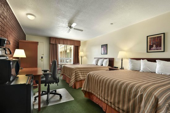 Photo of Travelodge Simcoe