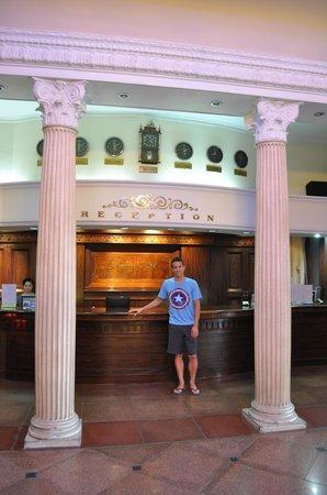 Riverside Hotel Saigon: Hotel Recpetion