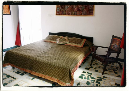 Chandra Niwas Homestay: semi - Deluxe room