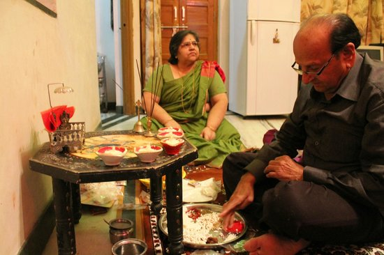 Chandra Niwas Homestay: pooja or Indian prayer