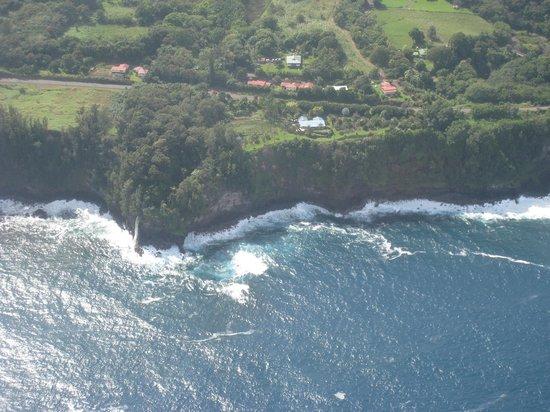 Iolani Air Tour Co.:                   Aerial Views of Hawaii 1-1-13                 