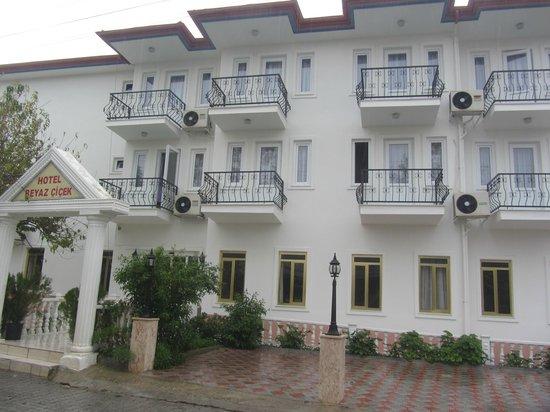 Hotel Beyaz Cicek