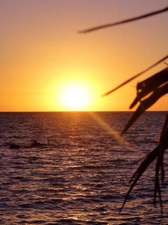 Gold Coast Inn: Sunrise
