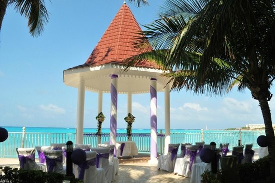 Hotel Riu Cancun Wedding At The Gazebo