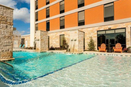 Outdoor saline pool