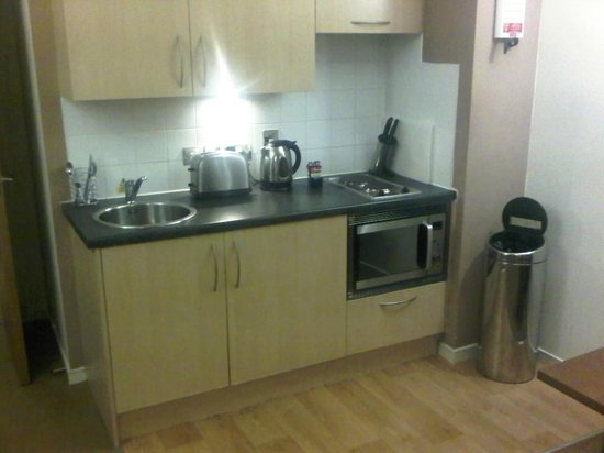 Fraser Suites Glasgow:                   Kitchen was clean and well equipped