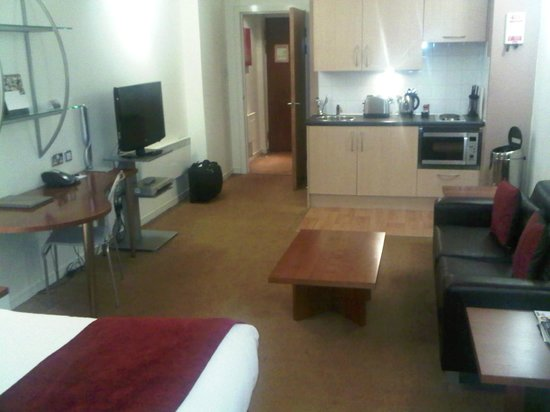 Fraser Suites Glasgow:                   Nice area and comfortable