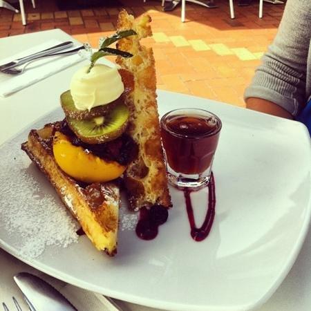 Lime Caffeteria :                   waffles