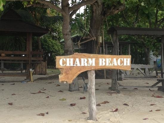 Charm Beach Resort:                   what a place