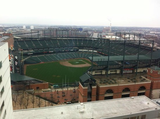 Hilton Baltimore: View of the baseball field from the concierge lounge