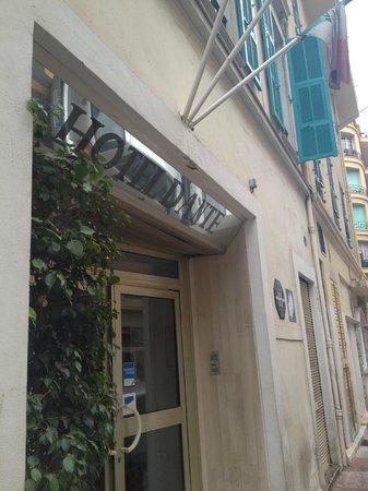 Hotel Dante:                   Front Entrance