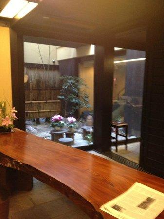 Kyomachiya Ryokan Sakura Honganji:                   Internal garden looking towards our room