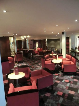 Mercure Chester Abbots Well Hotel: lobby area