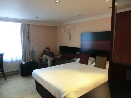 Mercure Chester Abbots Well Hotel: room