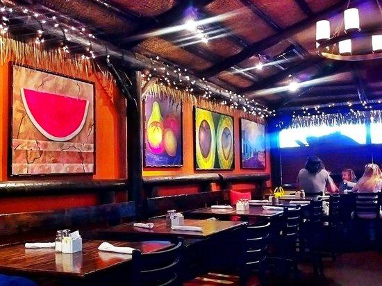 Hog Snappers Shack & Sushi: caribbean atmosphere