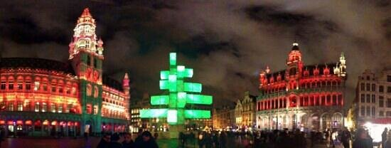 Hotel Amigo: The Grand Place -Christmas Light Show