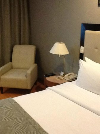 Pestana São Paulo: Sitting area in room
