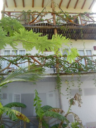 Casa Blat Ha: vine covered balconies